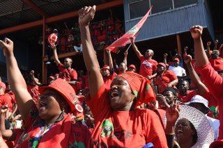 Twitter reacts to EFF members' trash raid