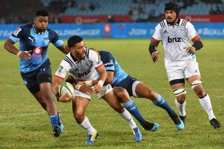 Mo'unga stars as Crusaders trample Bulls