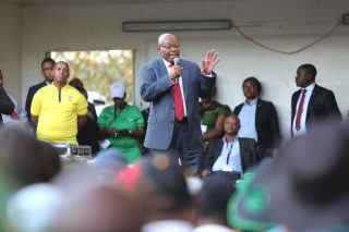 Zuma tells supporters 'gossiping prosecutors' 'manufactured' case against him