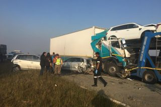 Horror multi-vehicle crash on Golden Highway kills at least four