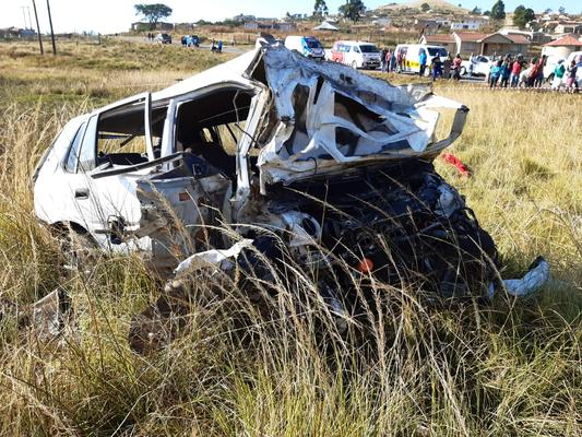 May 26 - Two men, believed to be 30 years of age, died and three other people were injured, one critically, when the car they were travelling in veered out of control and rolled from the M70 in the Taylors Halt area near Pietermaritzburg on Sunday morning. Photo: ER24