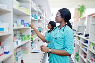 Mkhize requires a solemn pledge for NHI from pharmacists