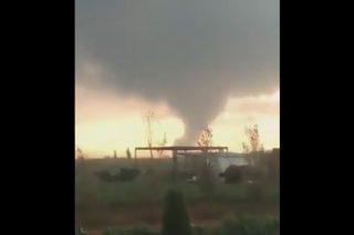 WATCH: Mini-tornado hits settlement outside Bloem on Election Day