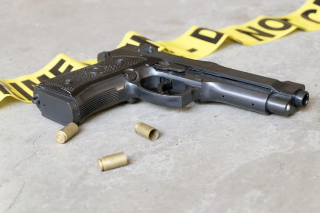 Alleged robbery victim opens fire on suspects