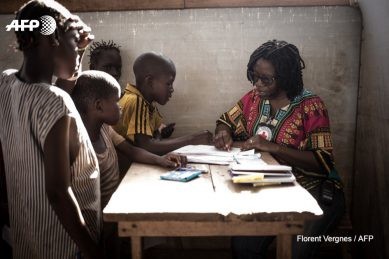 Sketch therapy helps ease trauma of Central Africa's war-torn children