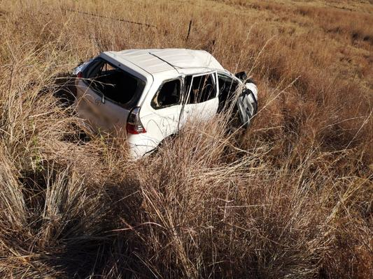 July 14 - One person died and five others were injured, one critically, when a car veered off the road and rolled near Sabie in Mpumalanga on Saturday afternoon. Photo: Netcare 911