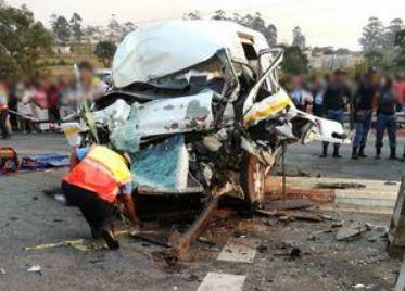 Taxi driver dead, 14 school pupils injured in KwaZulu-Natal