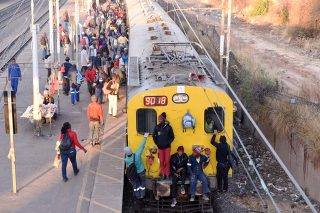 Man seriously injured after being thrown from train in Johannesburg
