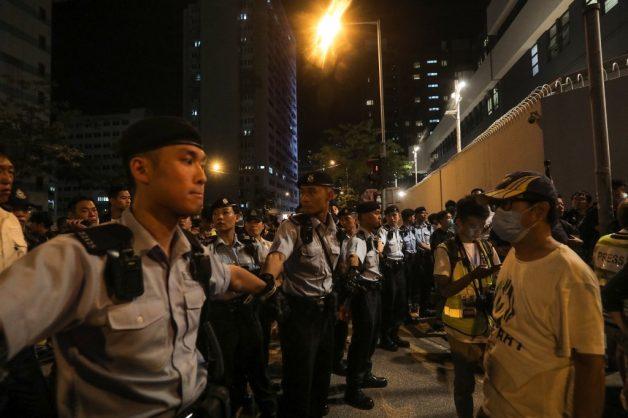 'Dancing aunties' spark new Hong Kong protest