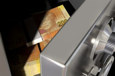 Robbers ransack ATM at Cape Town mall after breaking in through roof of building