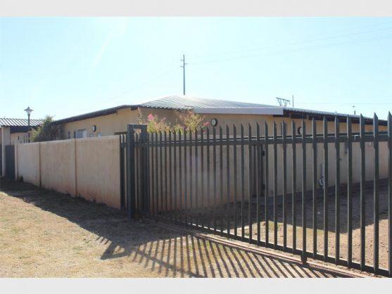 Locked Salvokop Children Care Centre. Photo: Reitumetse Mahope