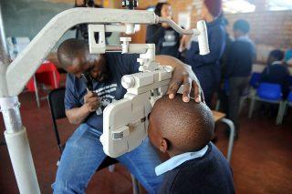 Olifantsvlei Primary School pupils gets free spectacles for Mandela Day