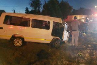 15 injured after minibus taxi overturns in Germiston