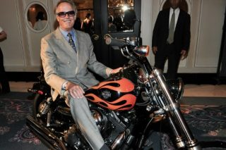 'Easy Rider' star Peter Fonda dies of lung cancer