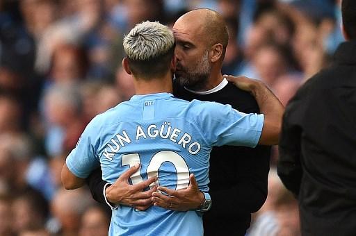 Silva sparkles as Aguero double fires City