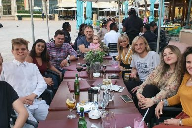 Steve Hofmeyr manages to get all his children under one roof for the first time
