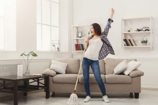 10 ways to stay sane as a stay at home mum