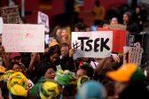 Bathabile Dlamini verlaat Sandton Shutdown vroeg nadat hy deur betogers - Citizen, gehekel is