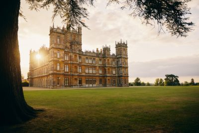 'Downton Abbey' fans can now spend a night in Highclere Castle