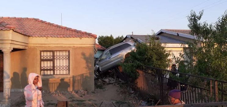Newcastle deputy mayor who crashed car into two homes out on bail
