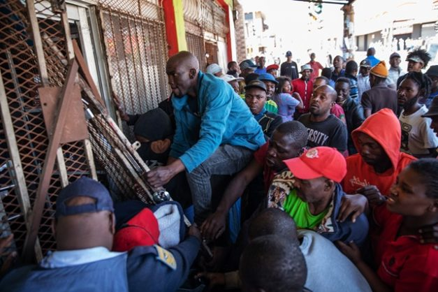 Gallery: Anarchy in downtown Joburg