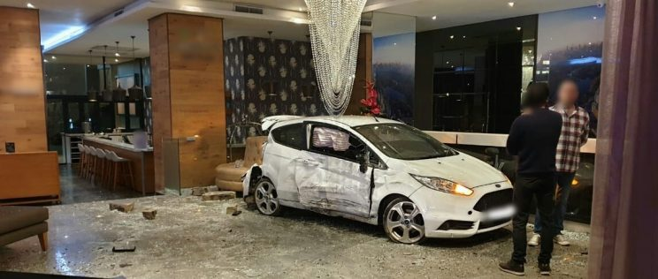 Car smashes into entrance of hotel in uMhlanga