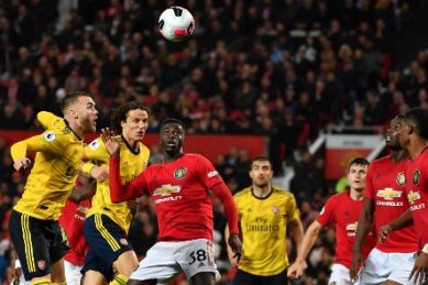 Man United supporters not too happy with Arsenal draw