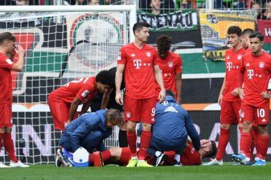 Dortmund beat Bundesliga leaders Gladbach, Bayern held by Augsburg