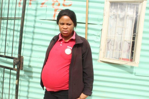 WATCH: Customer assaults pregnant Shoprite cashier in Cape Town