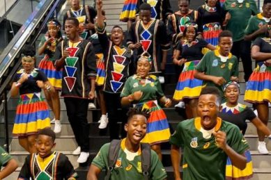 WATCH: Ndlovu Youth Choir take the lead in Springbok support