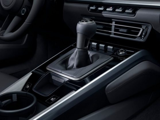 Porsche brings back manual gearbox as no-cost option on new 911