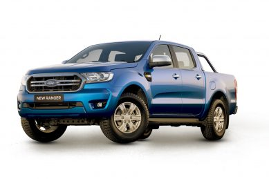 Ford Ranger XLS upgraded with more bright work