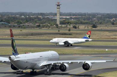 Unions threaten to 'shut down' aviation sector