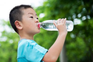 Kids who drink more water appear to be better at multitasking, finds new study
