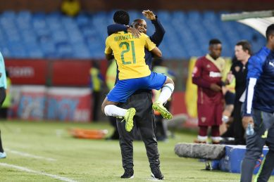 Sundowns close the gap on Chiefs with a win over Stellies