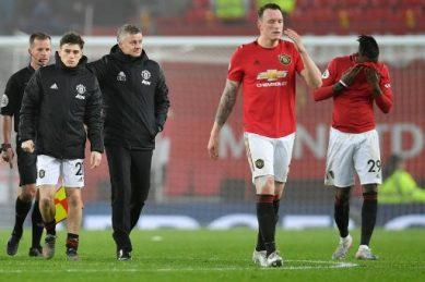 'Embarrassing' Man Utd suffer fresh woe, Spurs boost top four bid