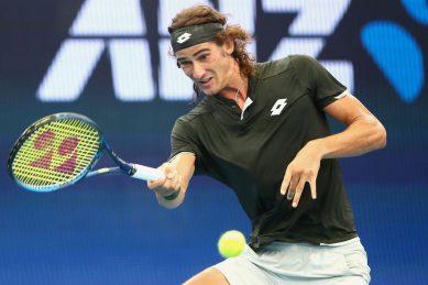 On-fire Lloyd Harris reaches semi-finals in Adelaide