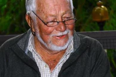 Former editor Rex Gibson dies, aged 89