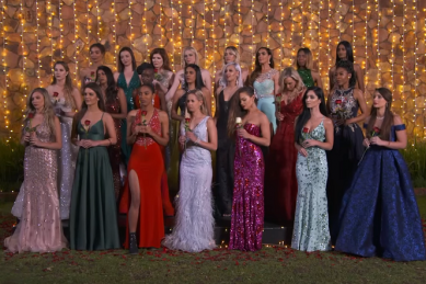 Fight Breaks Out Between Two Female Contestants On First Episode Of The Bachelor Sa The Citizen