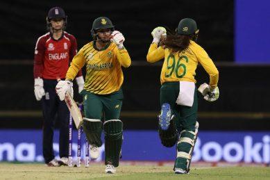 Du Preez the hero as Proteas women start World T20 brilliantly
