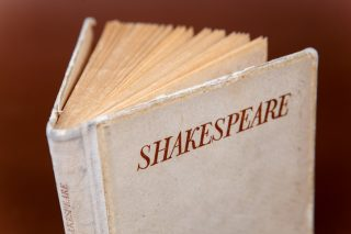 How Shakespeare offers a unique chance at death education_1