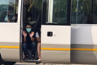 Flying squad escorts four busloads of foreign nationals back to Lebombo Gate - The Citizen