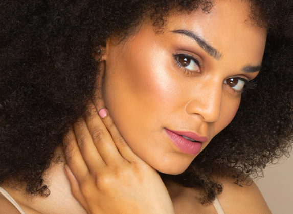 Pearl Thusi is a flirt and we have evidence