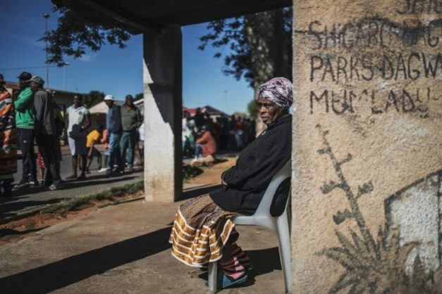 Violence and looting point to food crisis in SA lockdown