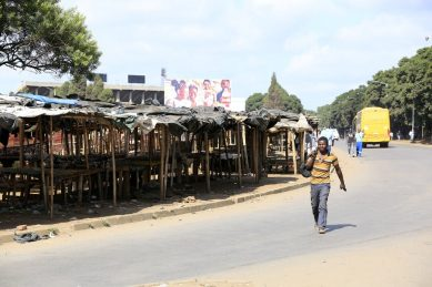 Zimbabwe's shattered economy poses a serious challenge to fighting Covid-19