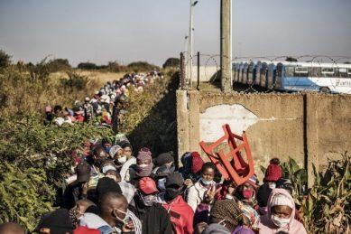PICS: Queues for kilometres as 11,000 food parcels distributed in Pretoria