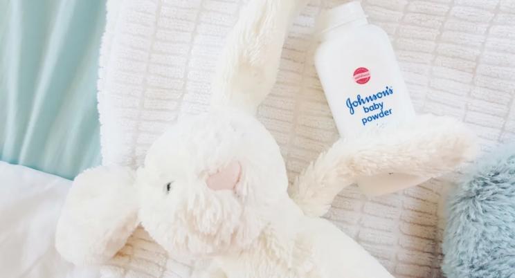 Johnson & Johnson discontinues sale of baby powder