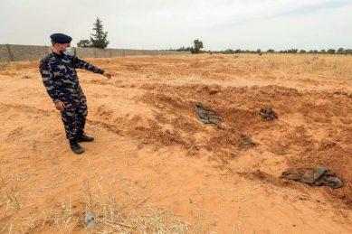 10 more bodies found in Libya mass grave