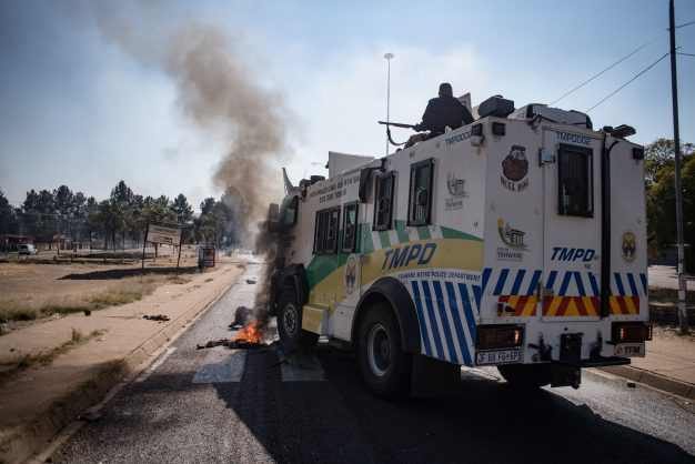 Pics: Chaos in Eersterust as residents clash with cops