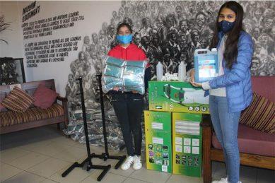 Two teens donate 2600 masks to Johannesburg Girls Preparatory School